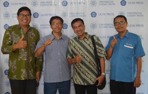 ITS Press Conducts Bechmarking Study to UGM Press